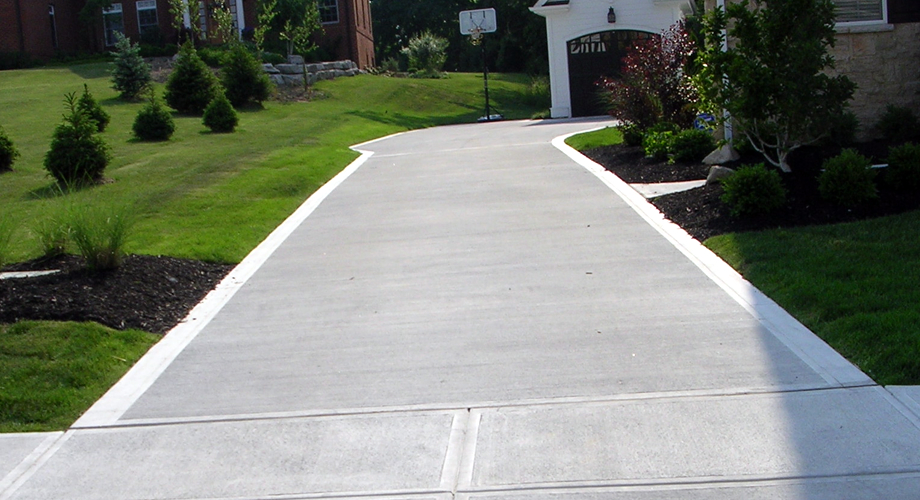 Broom finish concrete driveway contractor in Columbus Ohio