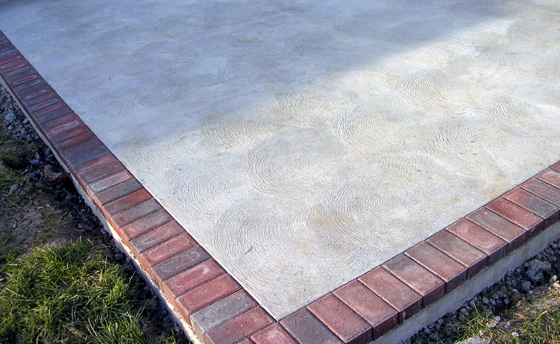 Columbus Ohio concrete contractor services-broom finish concrete patios